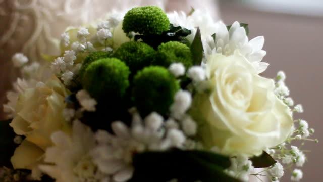 vídeos de stock, filmes e b-roll de buquê da noiva - bouquet