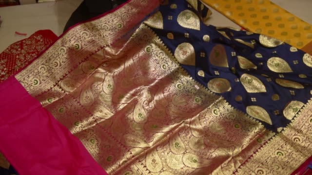 bridal designer masks are on sale for the upcoming wedding season in kolkata, india, 10 june, 2020. this is the first bridal designer mask which are... - religious dress stock videos & royalty-free footage