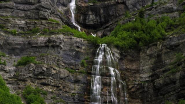 bridal veil falls in provo canyon, utah. - provo bildbanksvideor och videomaterial från bakom kulisserna