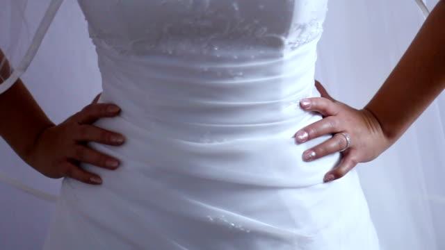 bride and beautiful wedding dress - giuntura umana video stock e b–roll