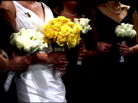 vidéos et rushes de mariée et fleurs ntsc - composition florale