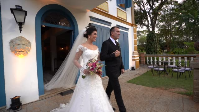bride and her father entering in wedding - wedding ceremony stock videos & royalty-free footage