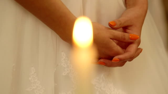Bride praying - Stock Footage