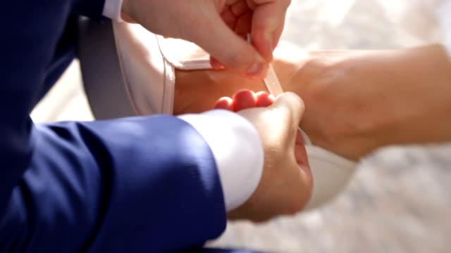 bride shoe - piede umano video stock e b–roll