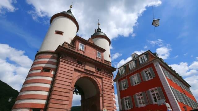 bridge gate, heidelberg, baden-wurttemberg, germany, europe - ハイデルベルク点の映像素材/bロール
