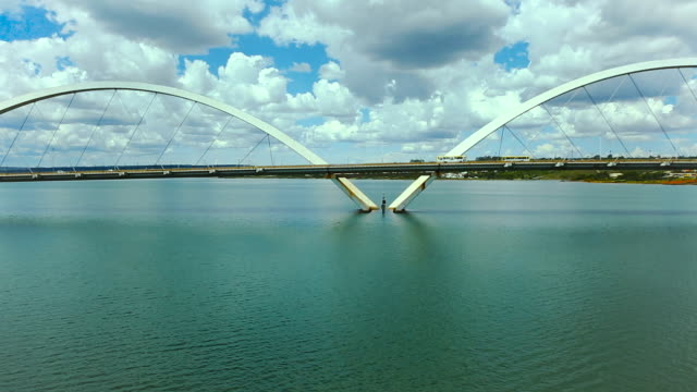 bridge jk , brasilia city, brasil, south lake, bridge juscelino kubitschek. - juscelino kubitschek bridge stock videos & royalty-free footage
