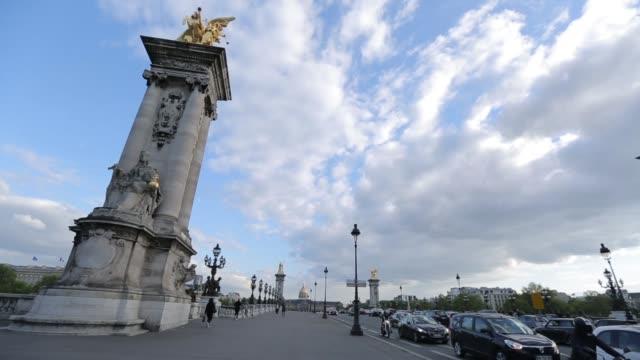 vidéos et rushes de pont des arts romance bridge - chain bridge suspension bridge