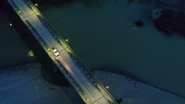 vídeos de stock, filmes e b-roll de ponte sobre o rio russian, califórnia do norte-antena - rio russian