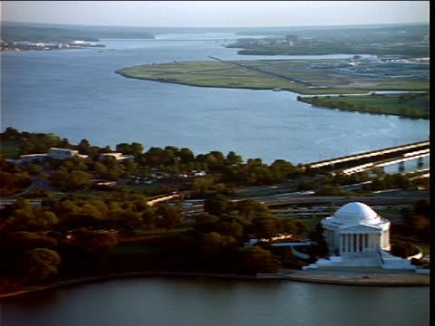 bridges span the potomac river near the jefferson memorial. - river potomac stock videos & royalty-free footage