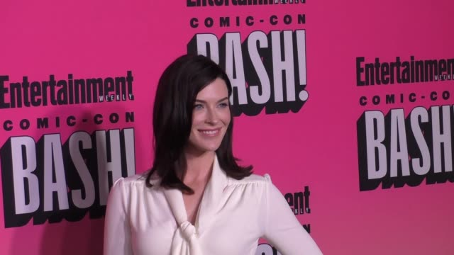 bridget regan at entertainment weekly hosts annual comic-con celebration at float at hard rock hotel san diego on july 23, 2016 in san diego,... - ハードロックカフェ点の映像素材/bロール