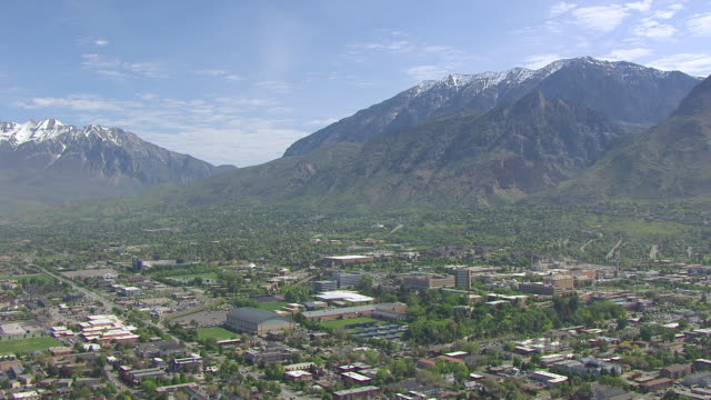 stockvideo's en b-roll-footage met ws aerial brigham young university / provo, utah, united states - provo