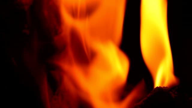 露出明るい炎 - brightly lit点の映像素材/bロール
