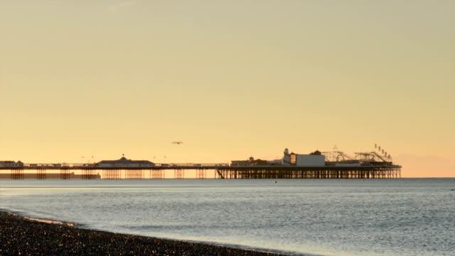 桟橋の日の出タイムラプスブレアズヴィル - ブライトン パレスピア点の映像素材/bロール