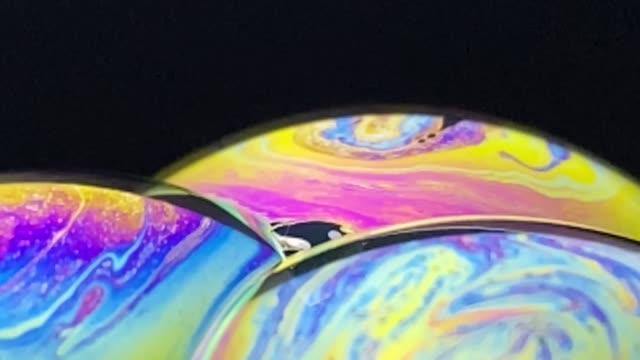 vidéos et rushes de brilliant and colorful blisters,in 4k video - ouverture du diaphragme