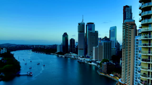 Brisbane, QLD: Night to day time lapse