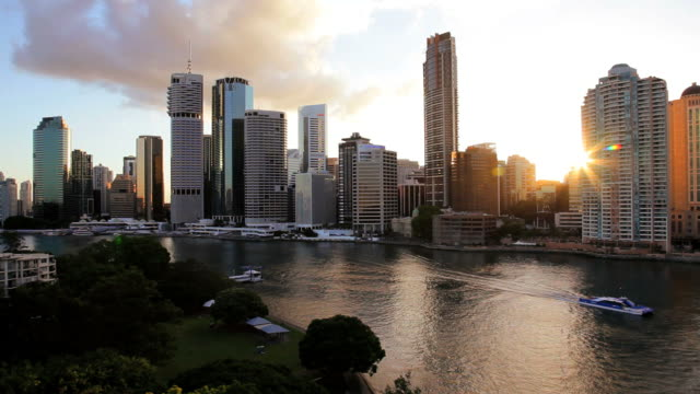 brisbane river and city skyline at dusk, queensland, australia, southern hemisphere - southern hemisphere stock videos & royalty-free footage