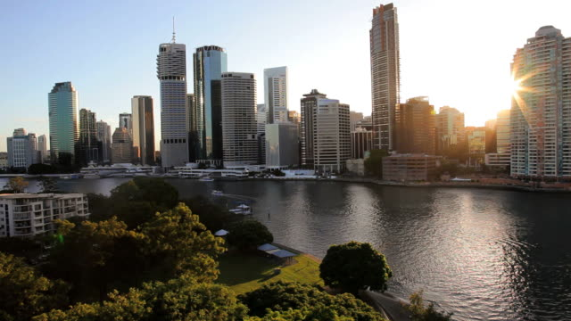 brisbane river and city skyscrapers, queensland, australia, southern hemisphere - southern hemisphere stock videos & royalty-free footage