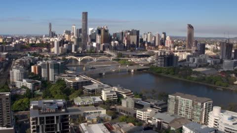 brisbane river, brisbane city, queensland, australia - drone stock videos & royalty-free footage