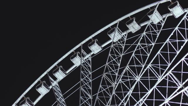 brisbane wheel at night - big wheel stock-videos und b-roll-filmmaterial