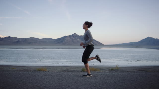 slo mo 4k: brisk morning run - utah stock videos & royalty-free footage