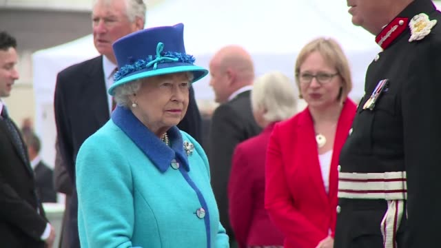 stockvideo's en b-roll-footage met britain celebrated queen elizabeth ii becoming the country's longestserving monarch on wednesday with the queen herself opening a railway line in... - koninklijk persoon