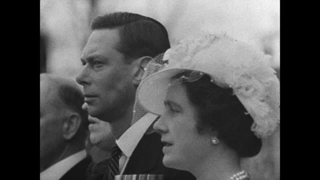 britain king george vi queen lady elizabeth boweslyon standing ws american crowd waving ws king george vi queens walking down steps usa - george vi of the united kingdom stock videos & royalty-free footage