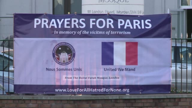 Britains Ahmadiyya Muslim community on Friday held a Prayers for Paris interfaith event at their grand mosque in south London the giant building...