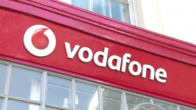 GBR: STOCKSHOTS: Vodafone suspends pre orders of Huawei 5G handset