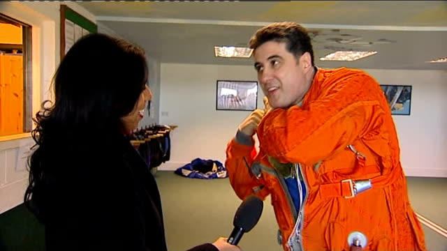 vídeos de stock, filmes e b-roll de british adventurer to skydive from the edge of space england int steve trulia kitting himself up and interview overlaid sot light aircraft taking off... - chord
