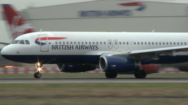 ms pan ws british airways airbus a320 passenger aircraft taking off, london, united kingdom - commercial aircraft stock videos & royalty-free footage