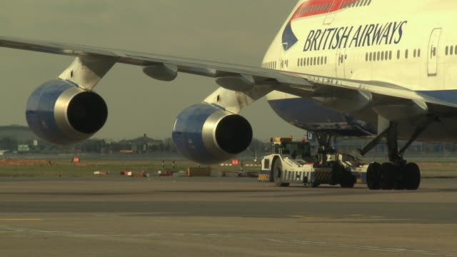 ms pan british airways boeing 747 taxing on runway, london, united kingdom - engine stock videos & royalty-free footage