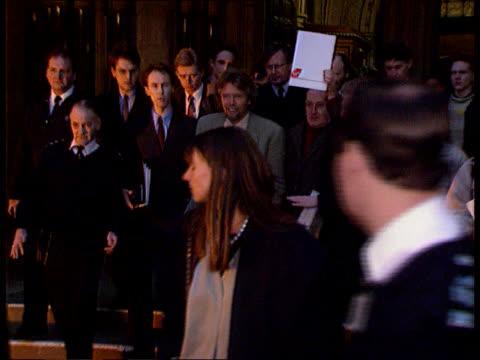 british airways fined; lib london: branson from court after libel victory over ba - 文書による名誉棄損点の映像素材/bロール