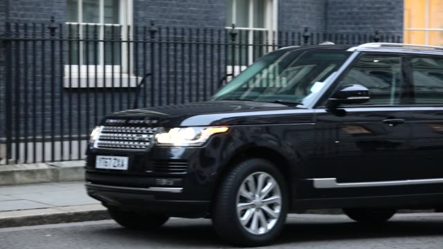 british chancellor philip hammond arrives as government ministers attend the first cabinet meeting of the year at 10 downing street on january 9 2018... - フィリップ ハモンド点の映像素材/bロール