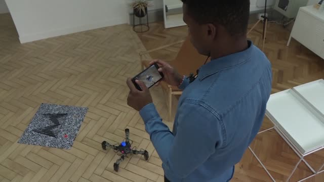 stockvideo's en b-roll-footage met a british company is bringing the world of augmented reality and the world of robotics together - arkansas