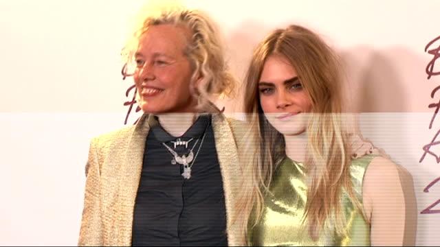 british fashion awards 2012; amber valletta posing / cara delevigne and ellen von unwerth posing / cara delevigne posing / cara delevigne speaking to... - アンバー ヴァレッタ点の映像素材/bロール