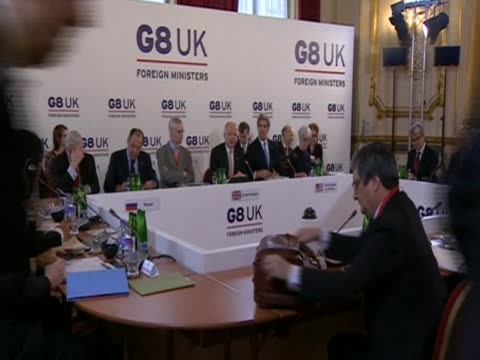 british foreign secretary william hague speaks at the beginning of a g8 meeting in london. - 男爵夫人点の映像素材/bロール
