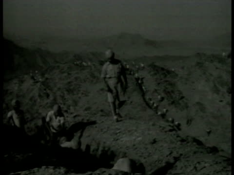 british indian army soldiers making trench w/ pick axes sledge hammers in khyber pass ms british indian army soldiers working w/ pick axe sledge... - afghanistan stock videos & royalty-free footage