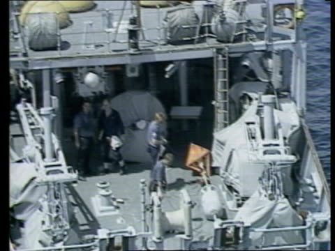 british minehunters arrive in the gulf b at sea views / aerials british navy minehunter along towards pull out as followed in line by others crewmen... - b rolle stock-videos und b-roll-filmmaterial