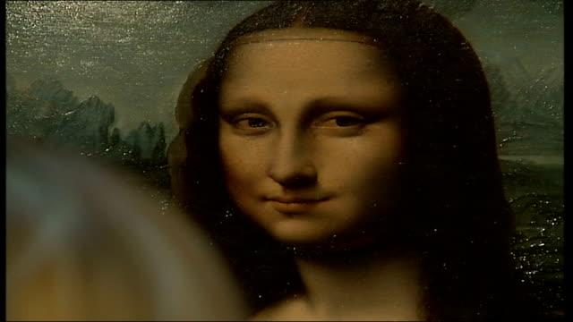 British Mona Lisa painting goes on display Close up of 'Mona Lisa' portrait