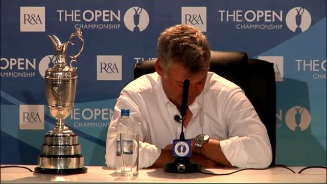 british open championship 2011: press conference with champion darren clarke; england: kent: sandwich: royal st george's: int ** beware contains... - boys beware点の映像素材/bロール