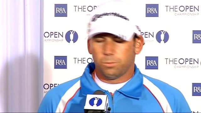 sergio garcia preparations england lancashire royal birkdale ext sergio garcia along to tee during practice session signing autographs practicing... - the open championship stock-videos und b-roll-filmmaterial
