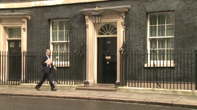 british prime minister david cameron holds a cabinet meeting to persuade ministers and the country at large to vote for britain to stay in the... - prime minister stock-videos und b-roll-filmmaterial