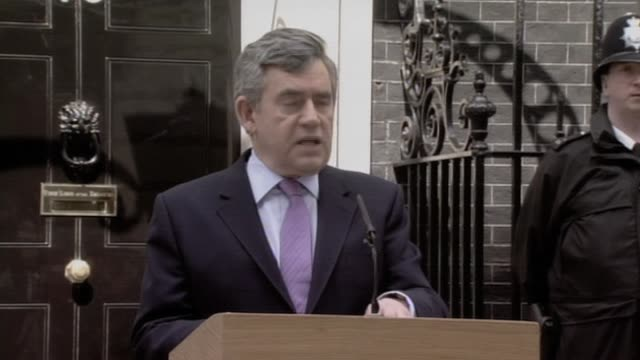 british prime minister gordon brown makes speech at no 10 downing street following general election results uk 7 may 2010 - ゴードン ブラウン点の映像素材/bロール