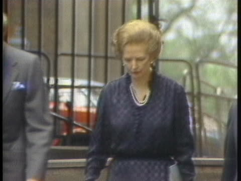 british prime minister margaret thatcher accompanies cabinet members in london, england. - prime minister stock-videos und b-roll-filmmaterial