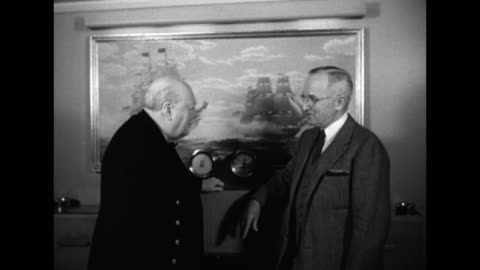 british prime minister winston churchill and us president harry s truman talk in front of a painting of a war of 1812 naval battle between the uss... - schwarzweiß bild stock-videos und b-roll-filmmaterial