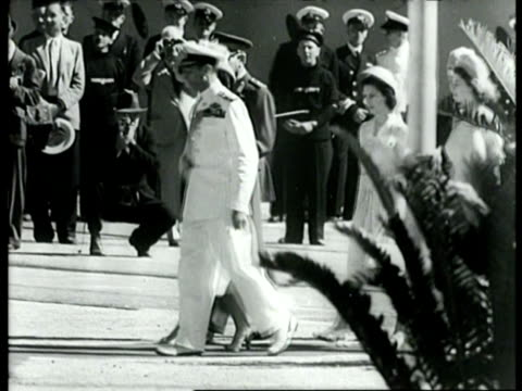 british royal family arriving in south africa / capetown, south africa - anno 1947 video stock e b–roll