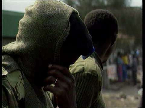 british tourists kidnapped by rwandan rebels british tourists kidnapped by rwandan rebels goma gv hutu soldiers sitting on top of truck hutu soldier... - コンゴ民主共和国点の映像素材/bロール