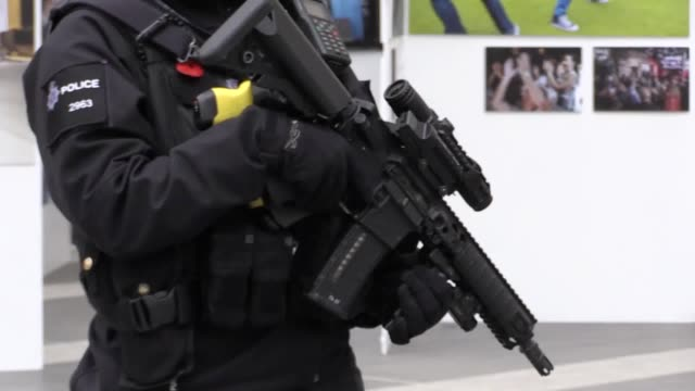 stockvideo's en b-roll-footage met british transport police step up armed patrols ahead of the busy festive period at new street station in birmingham - west midlands