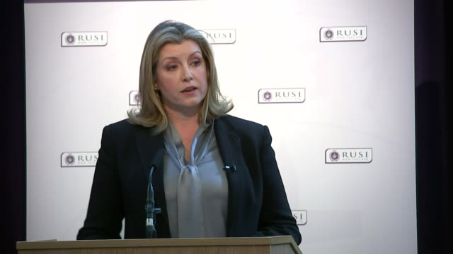 stockvideo's en b-roll-footage met british troops and veterans to be given stronger protection against prosecution england london westminster int penny mordaunt mp answering question... - william hague