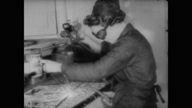 wwii british women take on the roles of train drivers bus conductors mail carriers factory workers gun loaders and balloon barrage setters as the... - luftschlacht um england stock-videos und b-roll-filmmaterial